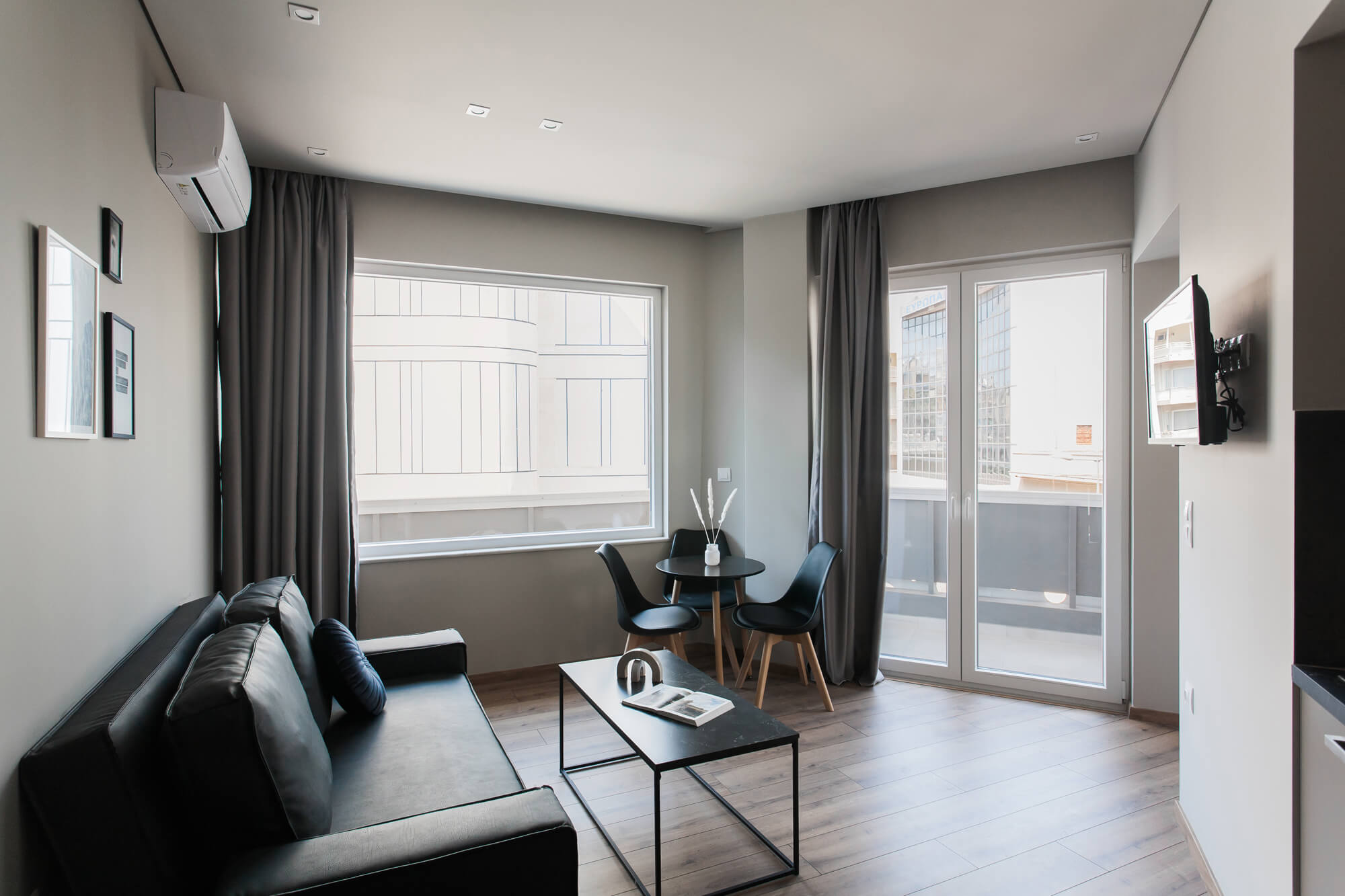 Bright 1BR Apartment at WYZ Athens