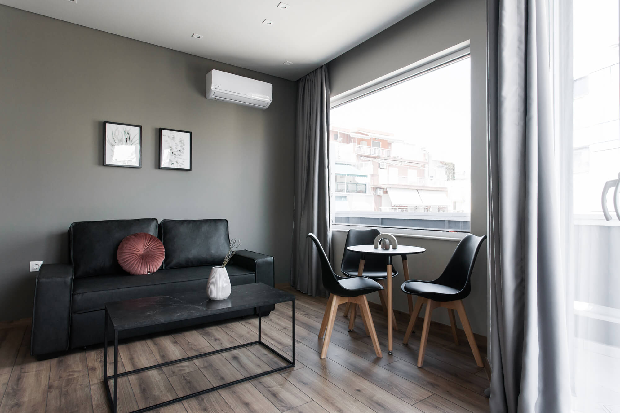 Charming 1BR Apartment at WYZ Athens